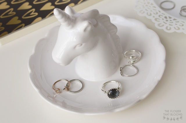 Unicorn-ring-holder