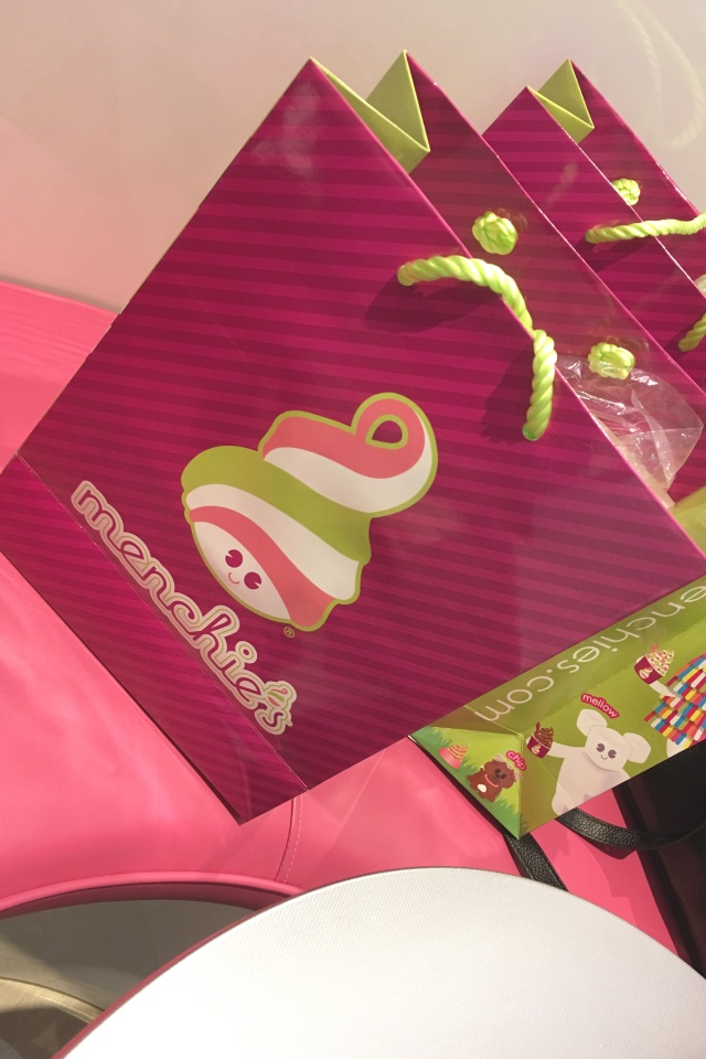 Menchies-11