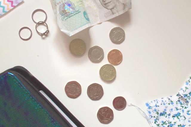 blogging-on-a-budget2.jpg