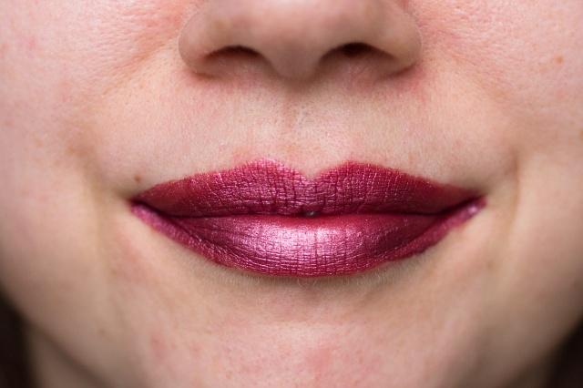 mua-luxe-metallic-liquid-lipstick-5-